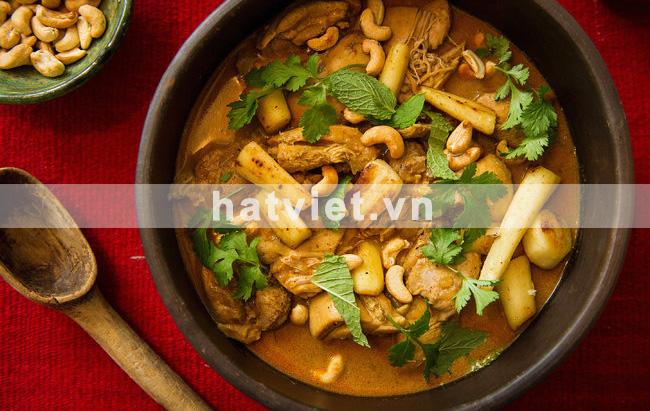 Cà ri gà hạt điều nấu với dừa kiều Sri Lanka