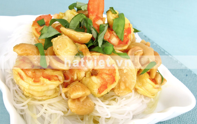 Shrimp cashew curry