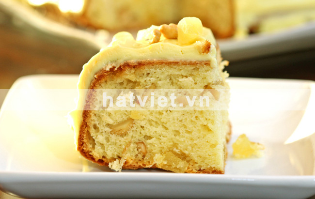 Pineapple cashew coffee cake