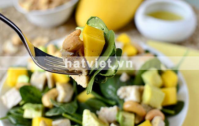 hạt điều mật ong - Cashew chicken mango salad