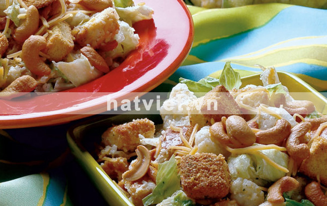 Cauliflower cashew salad