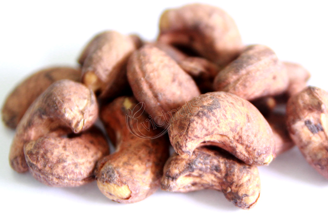 Cashew nuts with skin