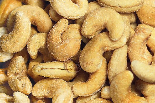 Wasabi cashews