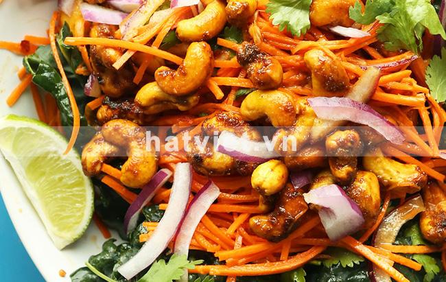 Salad cà rốt với hạt điều vị cà ri kiểu Thái